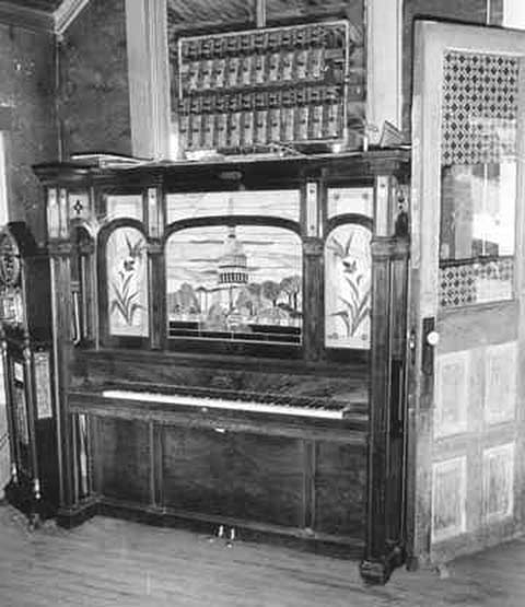 Seeburg J orchestrion in the Bale of Hay Saloon, Virginia City, Montana, in 1960.